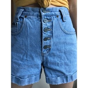 [vintage] high waist button fly light wash shorts